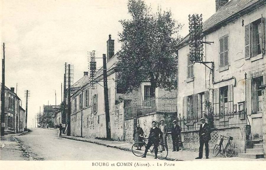 Bourg-et-Comin (Aisne) CPA La Poste