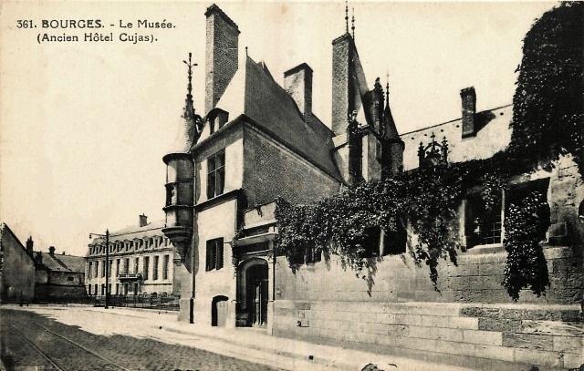 Bourges (18) L'Hôtel Cujas CPA