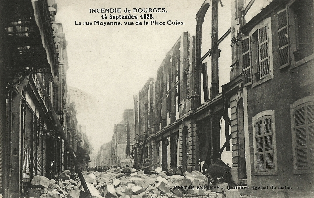 Bourges (18) L'incendie de 1928 CPA