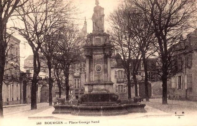 Bourges (18) La place Goerge Sand CPA