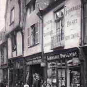 Bourges (18) La rue Mirebeau CPA