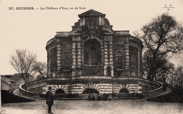 Bourges (18) Le château d'eau CPA