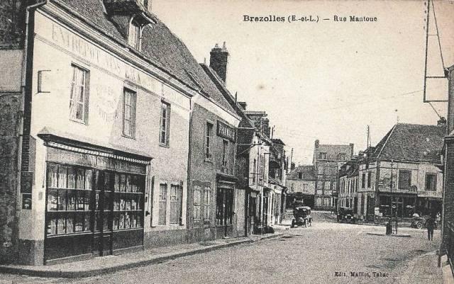 Brézolles (28) La rue Mantoue CPA