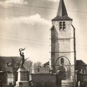 Cattenieres 59 l eglise saint martin et le monument aux morts cpa
