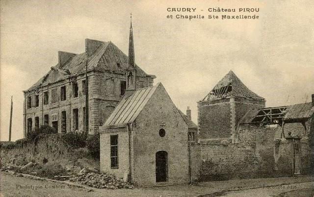 Caudry 59 le chateau et la chapelle cpa