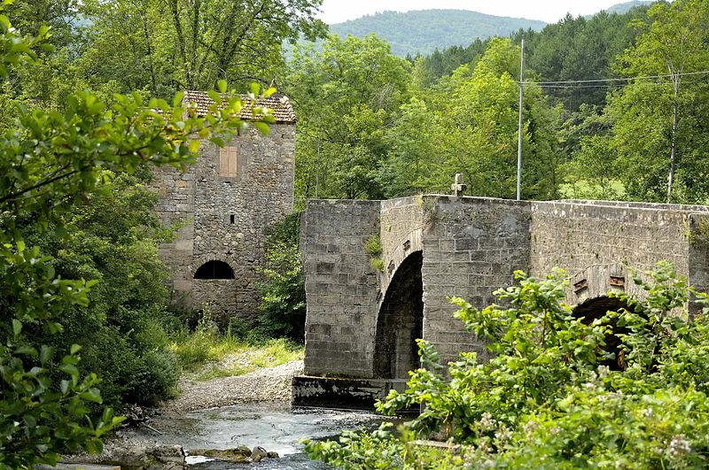 Ceilhes-et-Rocozels (Hérault) Le pont