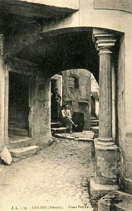Ceilhes-et-Rocozels (Hérault) Le vieux porche en 1916 CPA