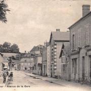 Cercy-la-Tour (Nièvre) L'avenue de la gare CPA