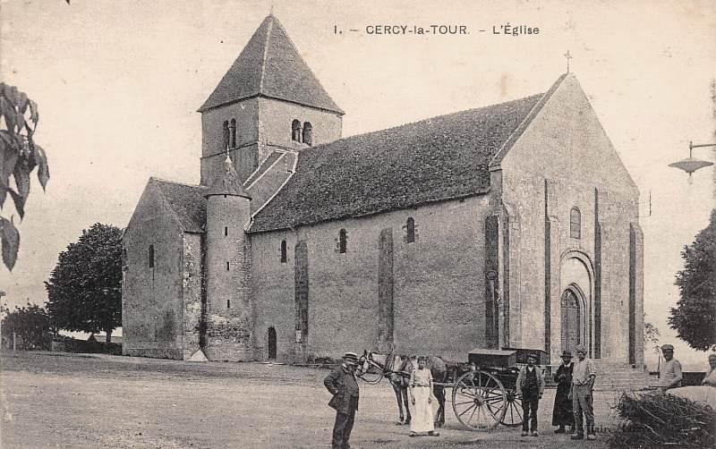 Cercy-la-Tour (Nièvre) L'église Saint Pierre CPA