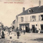 Cercy-la-Tour (Nièvre) La rue de Bourgogne CPA