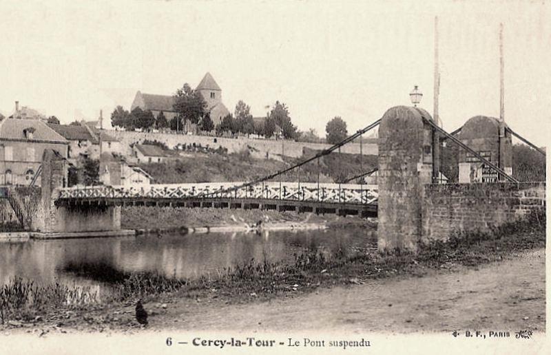 Cercy-la-Tour (Nièvre) Le pont suspendu CPA