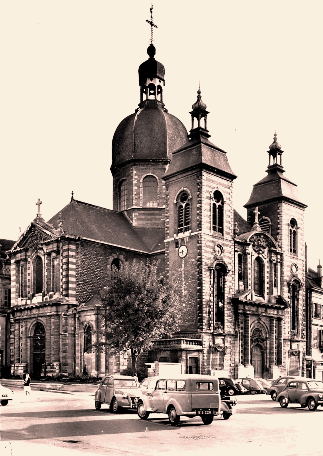 Chalon-sur-Saône (71) Eglise Saint Pierre CPA