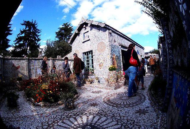 Chartres (28) La maison Picassiette