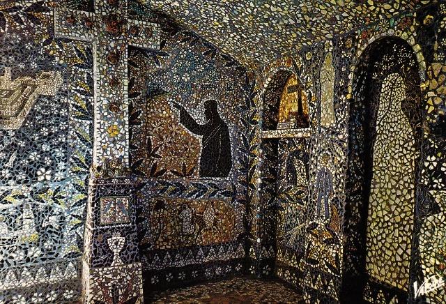 Chartres (28) La maison Picassiette, intérieur CPA