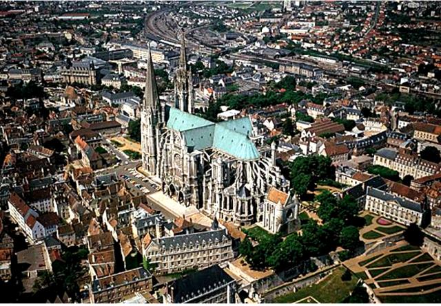 Chartres (28) Vue générale