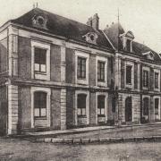 Château-Chinon (Nièvre) L'école de garçons CPA