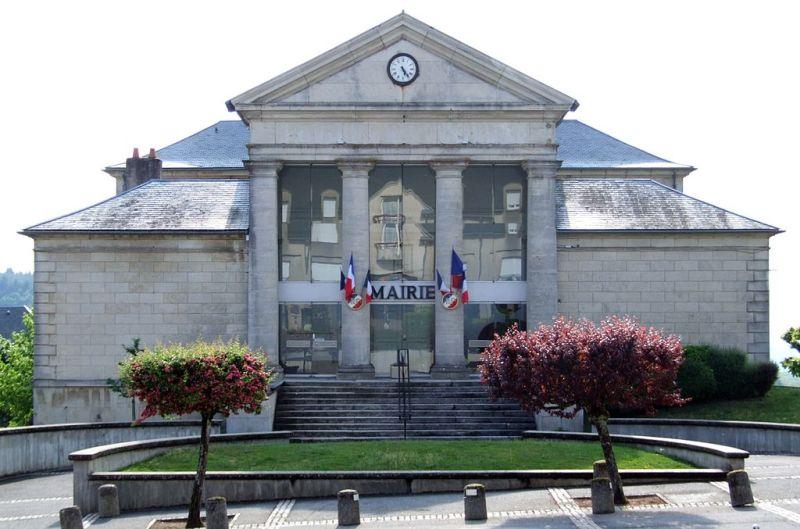 Château-Chinon (Nièvre) L'Hôtel de Ville, ancien palais de justice