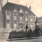 Château-Chinon (Nièvre) La Caisse d'Epargne CPA