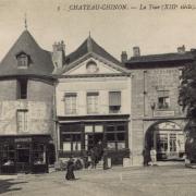Château-Chinon (Nièvre) La porte Notre-Dame et la tour CPA