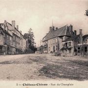 Château-Chinon (Nièvre) La rue du Champlain CPA