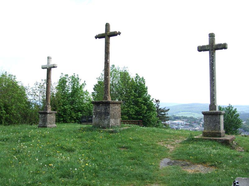 Château-Chinon (Nièvre) Le calvaire, les trois croix