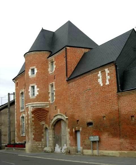 Château-Porcien (08) Maison-forte Wignancourt