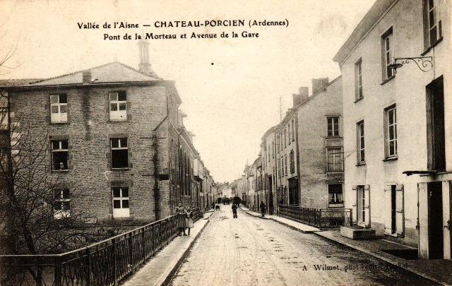 Château-Porcien (08) Pont et avenue de la Gare CPA
