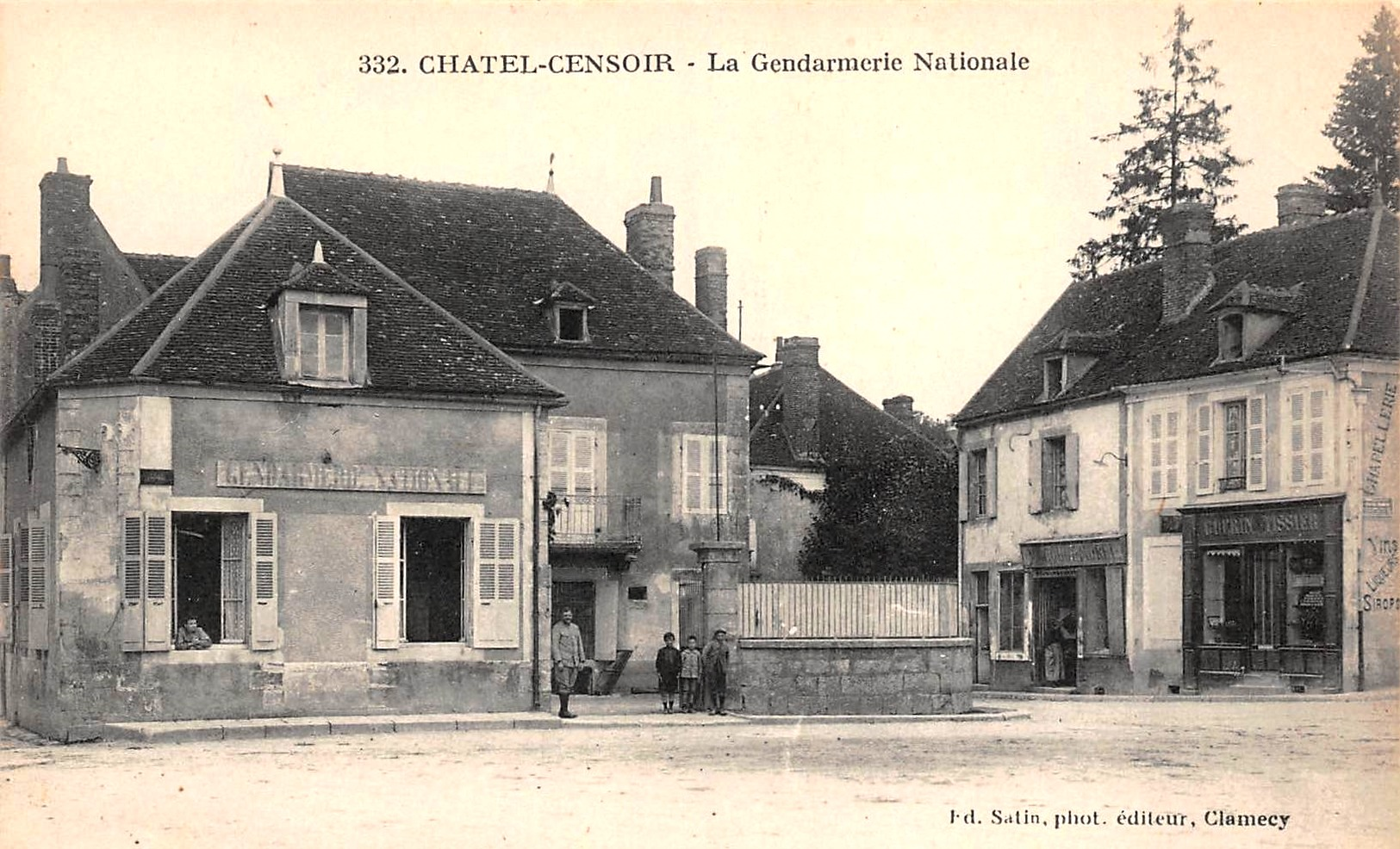 Châtel-Censoir (89) La gendarmerie CPA