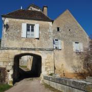 Châtel-Censoir (89) La porte d'entrée du château