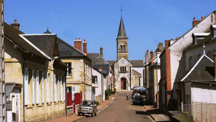 Châtillon-en-Bazois (Nièvre) L'église