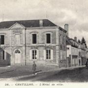 Châtillon-en-Bazois (Nièvre) L'Hôtel de Ville CPA