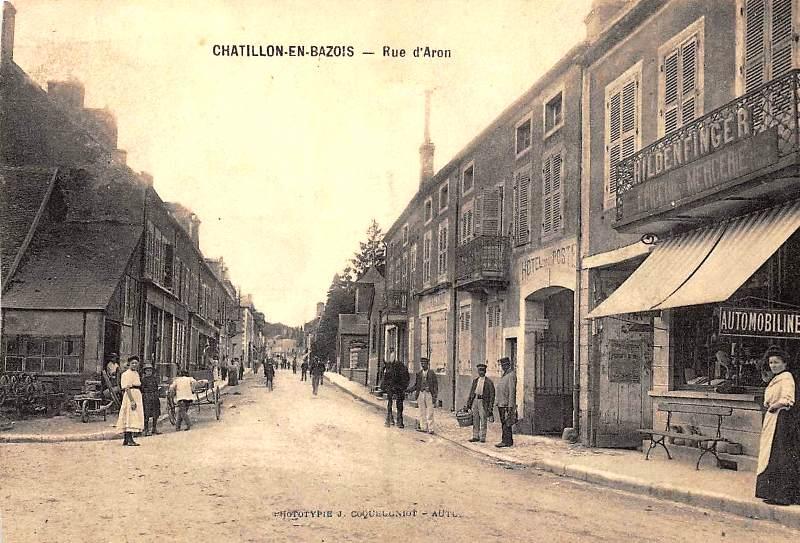 Châtillon-en-Bazois (Nièvre) La rue d'Aron CPA