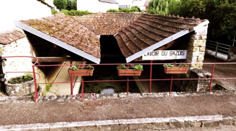 Châtillon-en-Bazois (Nièvre) Le lavoir