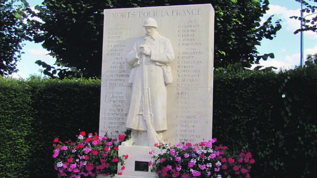 Chézy-sur-Marne (Aisne) Monuments aux morts