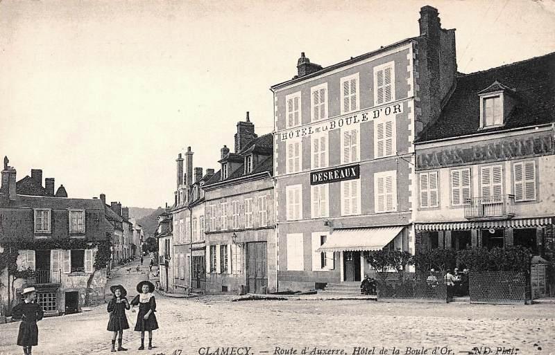 Clamecy (Nièvre) L'Hôtel de la Boule d'Or CPA