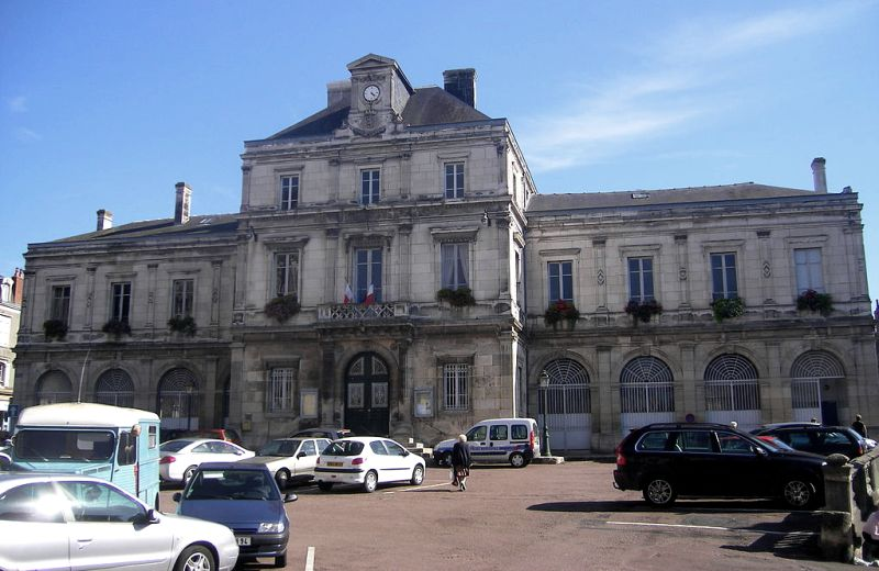 Clamecy (Nièvre) L'Hôtel de Ville
