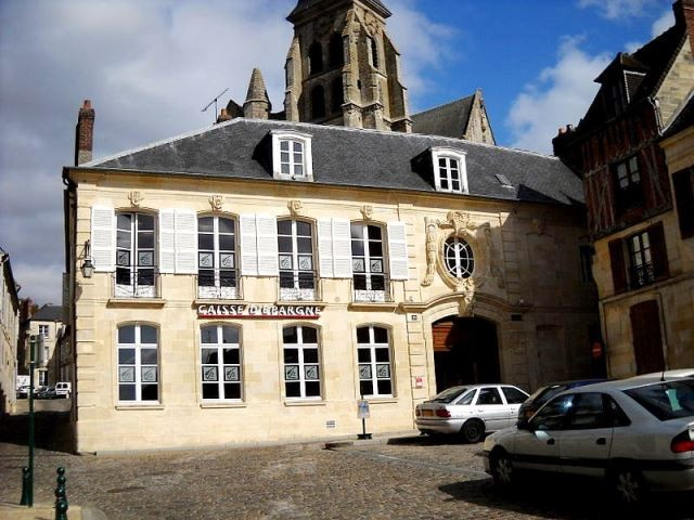 Clermont oise ancien hotel particulier