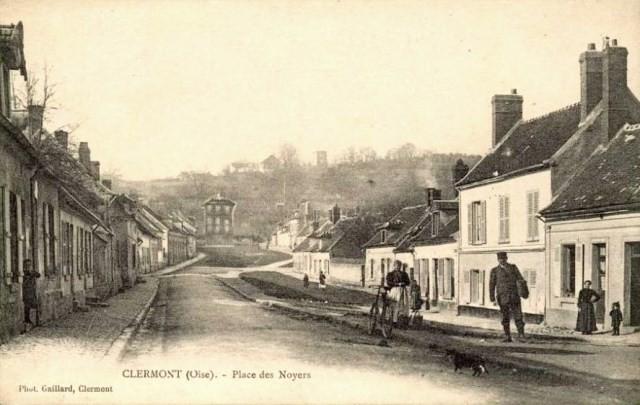 Clermont oise cpa la place des noyers
