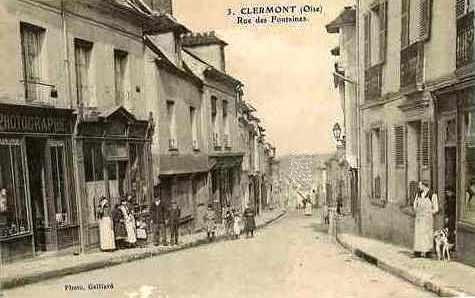 Clermont oise cpa la rue des fontaines
