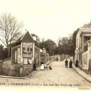 Clermont oise cpa la rue du tour de ville