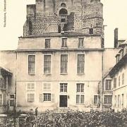 Clermont oise cpa le chateau ou naquit charles iv