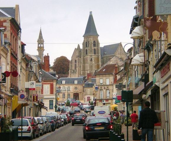 Clermont oise la rue de la republique