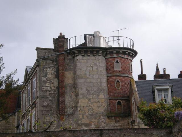 Clermont oise la tour buha