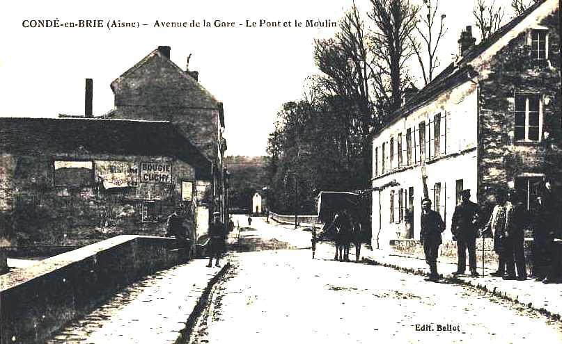 Condé-en-Brie (Aisne) CPA Avenue de la gare, le pont et le moulin
