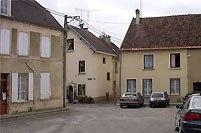 Condé-en-Brie (Aisne) place des Retifs