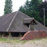 Corbigny (Nièvre) La tuilerie de la chapelle de Sarre, le séchoir