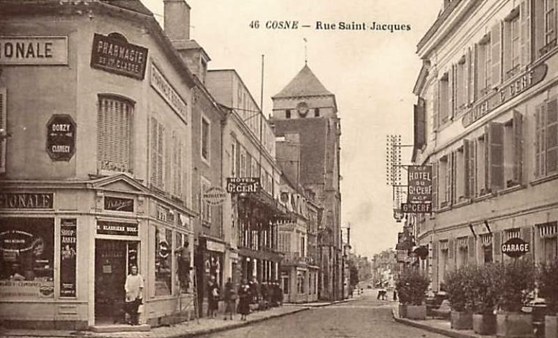 Cosne-Cours-sur-Loire (Nièvre) La rue Saint Jacques CPA