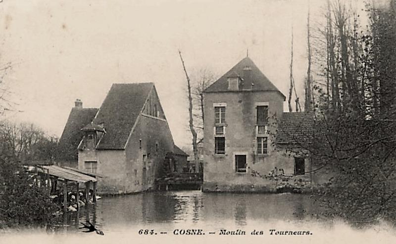 Cosne-Cours-sur-Loire (Nièvre) Le moulin des Tourneurs CPA