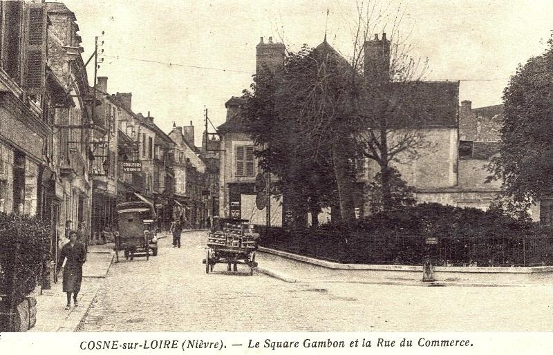 Cosne-Cours-sur-Loire (Nièvre) Le square Gambon CPA