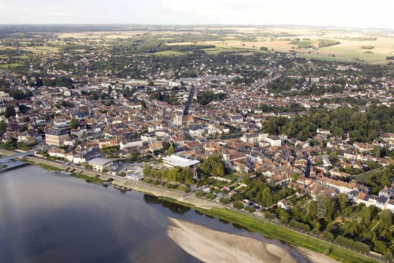 Cosne-Cours-sur-Loire (Nièvre) Vue aérienne
